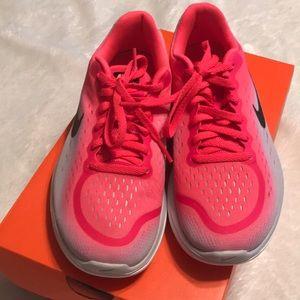 Girls Nike flex
